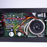 Amplificatore integrato Rega Io interno